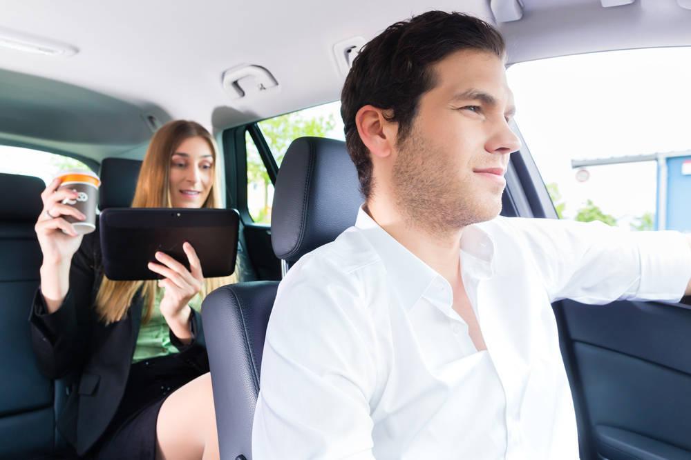 ¿Es rentable conducir un taxi en España?