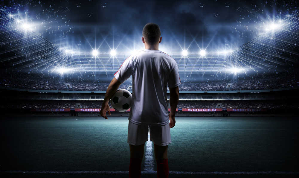 El fútbol, deporte rey en cuanto a afición y practicantes en España